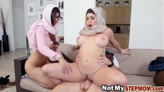 Horny Arab sluts Julianna Vega and Mia Khalifa sharing one cock