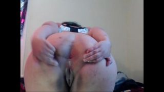 Emo BBW Spreads & Plugs Her Enormous Ass On Cam For All To See